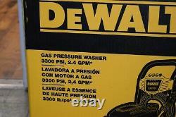 DEWALT DXPW3324I 3300 PSI at 2.4 GPM Honda Cold Water Gas Pressure Washer