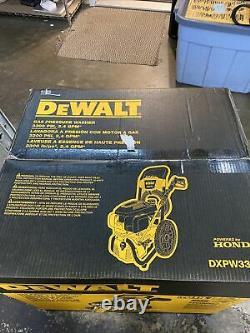 DEWALT DXPW3324I Honda Cold Water Professional Gas Pressure Washer 3300 PSI NEW