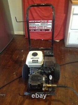 Pressure Washer Honda Engine 2400 psi WGC2425