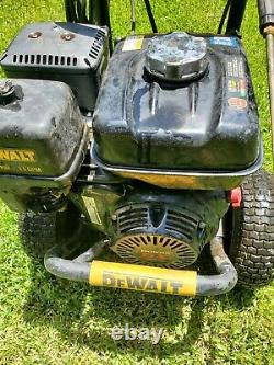 Dewalt 3800 Psi 3.5gpm Pressure Washer Honda Gx270. Preowned