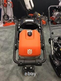 Nouveau Compacteur De Sol De Huxqvarna Lt 5005 Rammer Avec Tamping De Moteur Honda Gxr 120